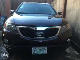 A well maintained Kia Sorrento 2011 model for urgent sale