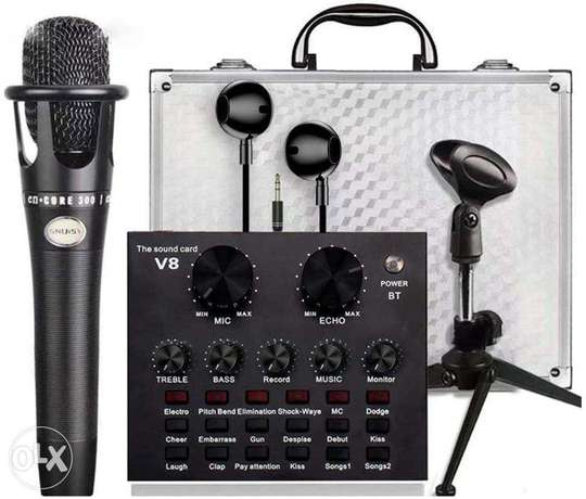 Multifunctional Mic with v8 Sound card | Brand New