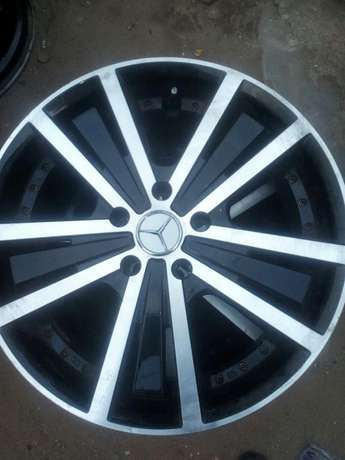 Dealer in all kinds motor parts such as alloyed wheels and tiers Ifelodun - image 6