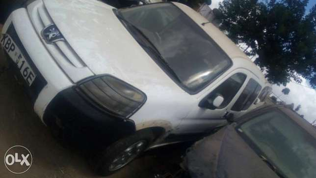 Peugeot salvage car for sale. Industrial Area - image 3