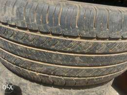 The tyres is 265/65/17