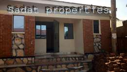 Easy dwelling self contained double in Kiwatule at 250k