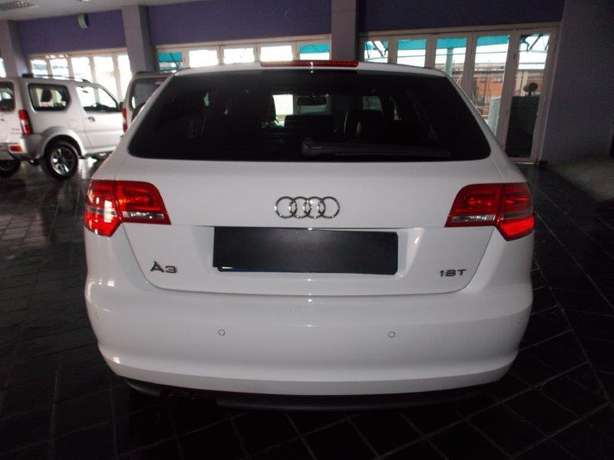 2012 Audi A3 Sportback 1,8 TFSI AMB Stronic for R 199,990.00 Rosettenville - image 6