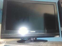 Clean Samsung 26 inches tv