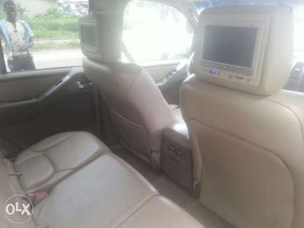 Perfectly used nissan pathfinder 2006 buy n travel tincan cleared Apapa - image 6