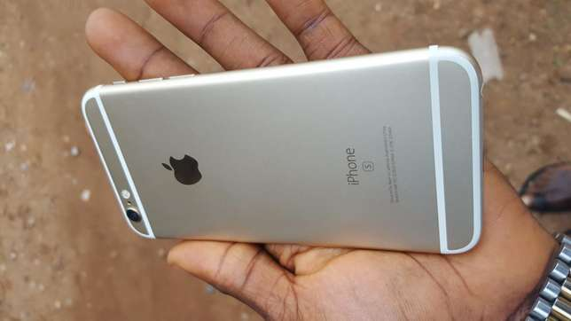 Mint 16gb gold UK used iPhone 6s for sale for low price Ibadan Central - image 4