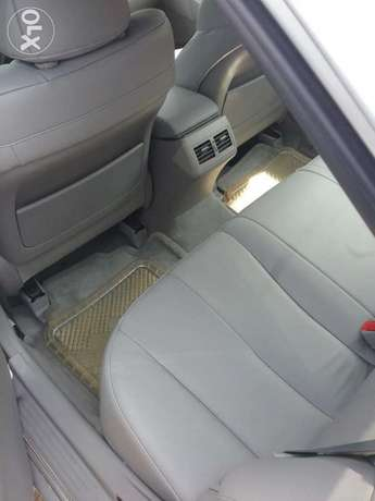 Super clean xle Camry muscle thumb start Lagos Mainland - image 4