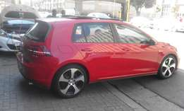 Vw golf 7 GTI DSG marrone in color 2014 model 60000km R325000