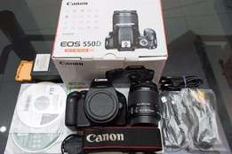 Canon EOS 550D Camera 3.0-Inch LCD EF-S 18-55mm lens