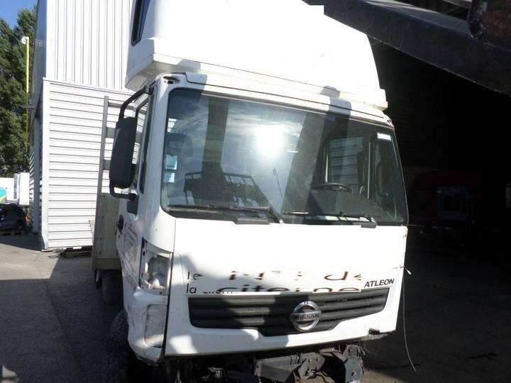 Nissan Atleon - 2011
