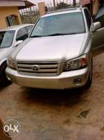 Clean 2 Months Used/ Tokunbo Toyota Highlander 05/06- LIMITED EDITION