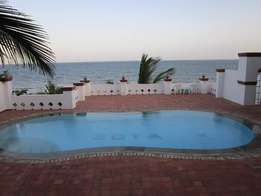 3 Bedroom Duplex apartment on the beach with swimming pool