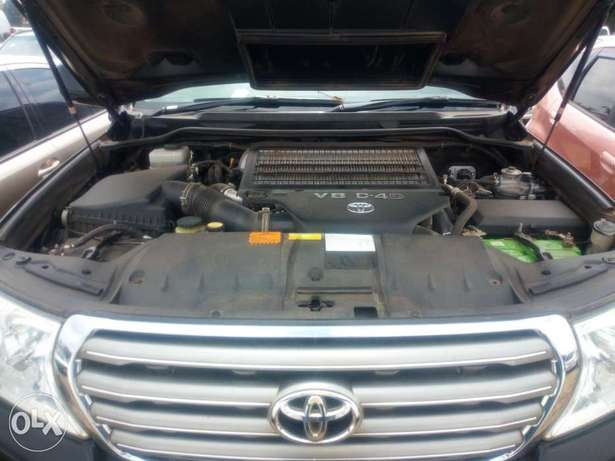 Land cruiser v8 Lavington - image 5