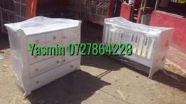 Baby crib and chest of drawers set