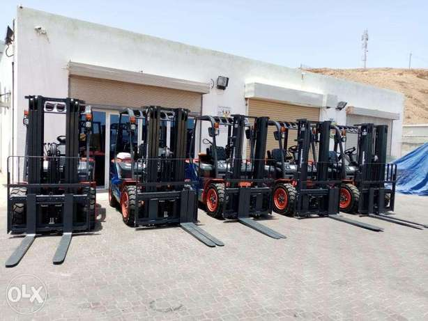 Forklift 3 Ton with Japan Engine for Sale in Oman