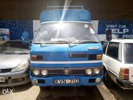 Isuzu ELF kvn diesel manual asking 395k in parklands