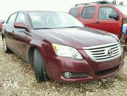 TOYOTA AVALON in good running condition