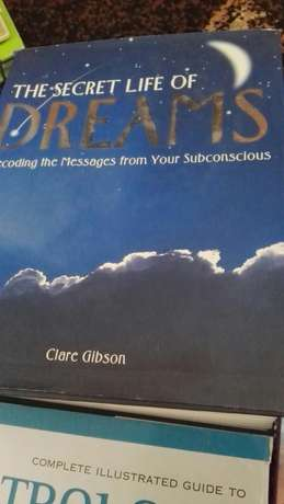 8 books on Astrology and dreams Walmer - image 2