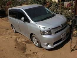 toyota voxy kcf for sale 860k
