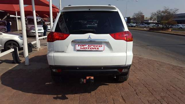 Mitsubishi Pajero 3.2 DID Sort 4X4 A/T Vereeniging - image 5