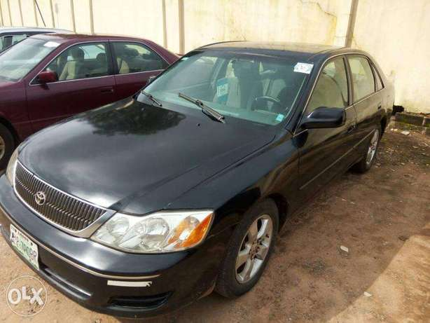 TOYOTA AVALON 2004 Very Clean_Give Away Price Benin City - image 2