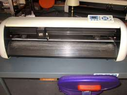 V-1367 V-Series High-Speed USB Vinyl Cutter, 1360mm Working Area, In