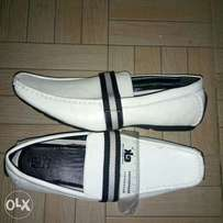 White loavers size 42 at 1800