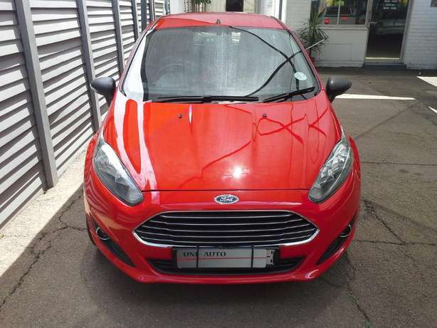 2015 Ford Fiesta 1.4 Ambiente Gezina - image 2