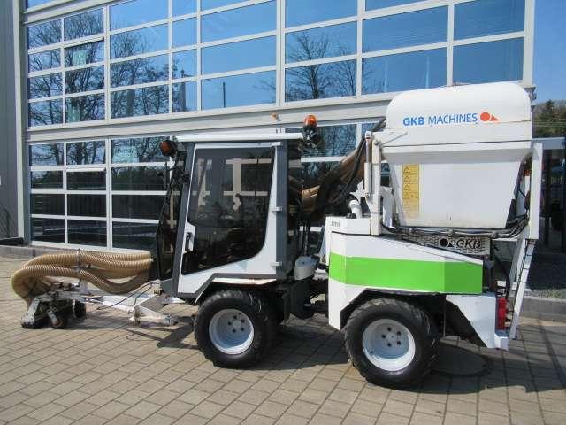 Nimos DM-TRAC 408 Werktuigdrager + GKB Poepzuiger - 2007