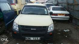 A a very clean local assembly 2010 Isuzu dmax for sale