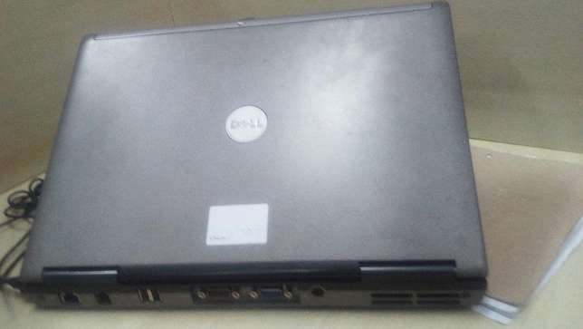 Selling Dell Laptop, Latitude D630 Kahawa Wendani - image 3