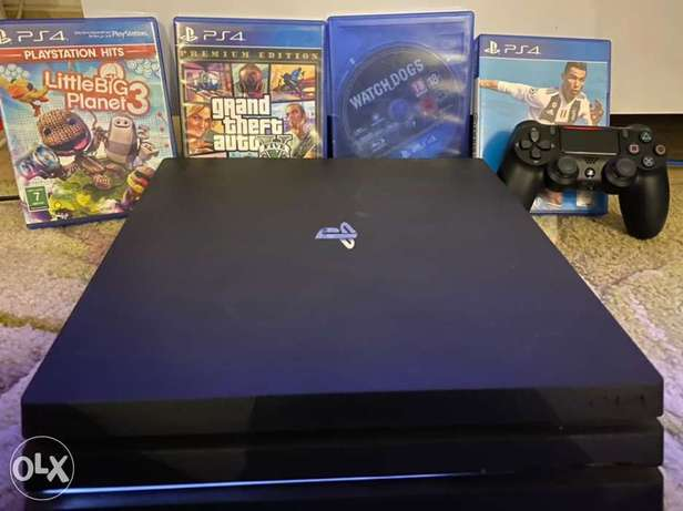 Play Station Pro 4