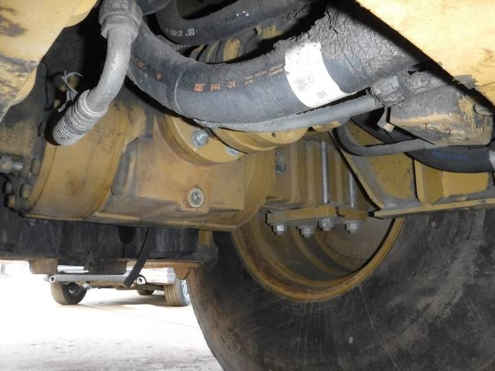 Caterpillar CS76 - 2012 - image 31