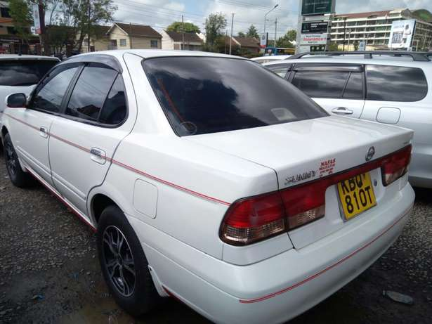 Very clean Nissan sany 2005 model,1500cc Makina - image 3