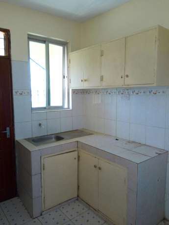 Smart two bedroom apartment to let Bamburi - image 6