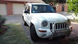 Stunning White Jeep 2.5 CRD Limited