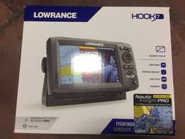 Lowrance Hook-7 GPS Fish Finder Combo
