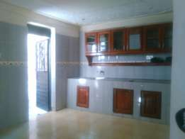 Konge house for rent near main road 700k two bedrooms on good road