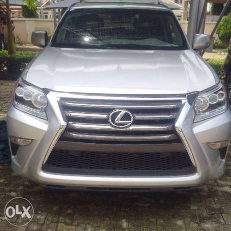 Fairly New Lexus GX 460 Silver coloured Wuse II - image 1