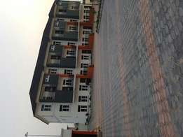 Luxurious 4 bedroom terrace duplex at chevron drive for sale