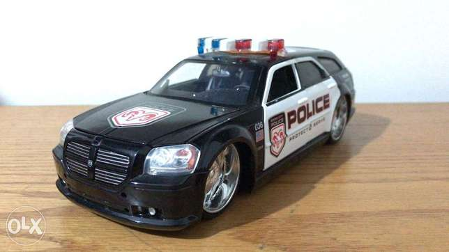 jada toy 1/24 police car