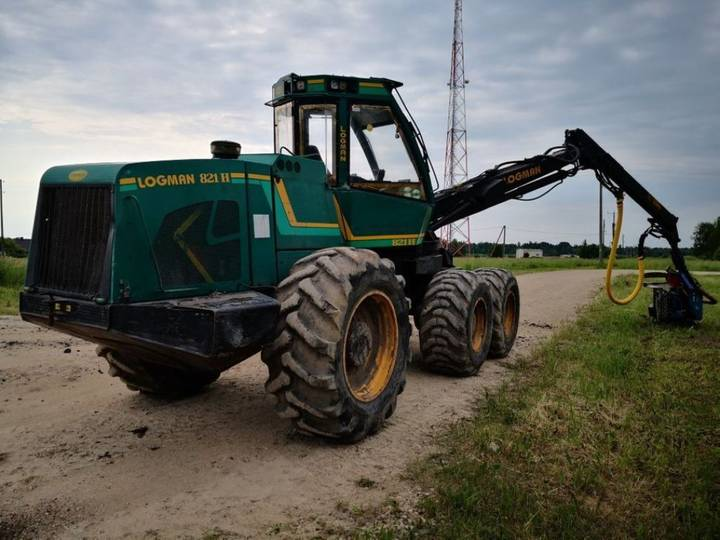 821h harvester for sale by auction - 2007