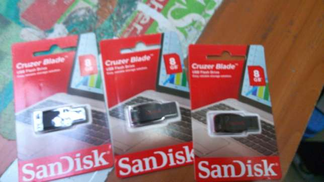 Flash disk 8gb flash Nairobi CBD - image 3