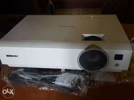 Projector ,Sony DX 102