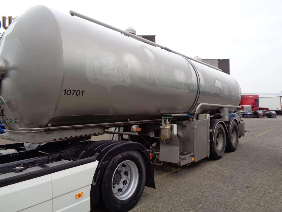 Trailor Milk/Water tank 2 COMP + 2 AXLE + ADR+25000liter - 2004