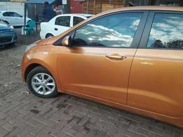 2014 hyundai grand i10 in pristine condition