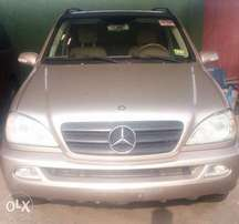 Tokunbo ML 320 Mercedes-Benz very clean