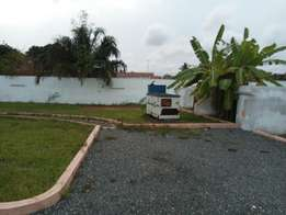 3bed room self compound with 1 out room for rent at labone