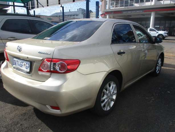 Toyota corolla 1.3 professional, 5-Doors, Factory A/c, C/d Player. Johannesburg CBD - image 3