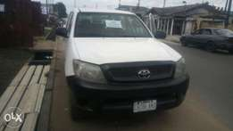 Gud 2010 Hilux for sale